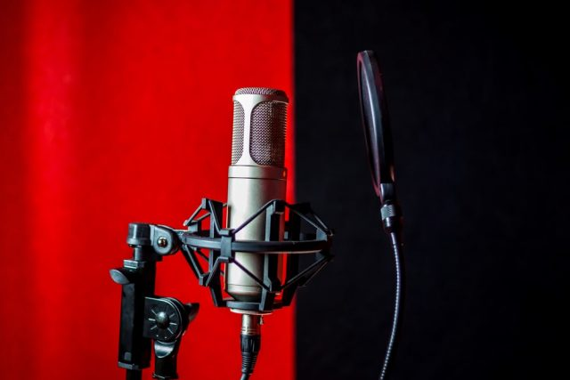 Hebrew Voice-over Services